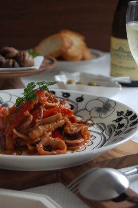 『烏賊とセロリのトマト煮冷菜』