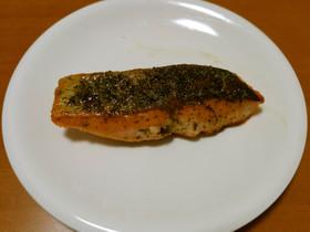 フライパンで簡単おいしい!生鮭のムニエル