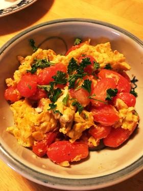 トマトとパセリの卵焼き