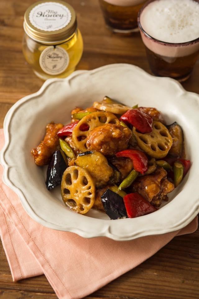 アカシアハニーの鶏肉と野菜の黒酢あん