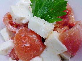 モツァレラチーズとトマトのサラダ