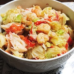 海老とカニかまとキャベツの簡単サラダ