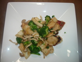鶏肉・いか・ブロッコリーの中華