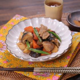 ごま香る♪鶏肉と根菜の甘辛煮