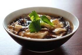 キクラゲとくずし豆腐のスープ生姜風味