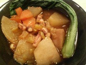 ピリ辛ごま風味☆イカと根菜の煮もの
