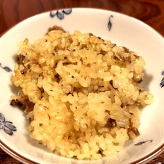 簡単!サンマの蒲焼缶詰で炊き込みご飯。