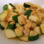 簡単絶品・卵とズッキーニの塩炒め