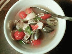 貝とプチトマトの簡単スープ