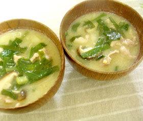 豚&ニラの豆乳みそスープ