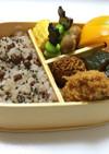 ㉓ 初めて炊くお赤飯と牡蠣、柿弁当♡