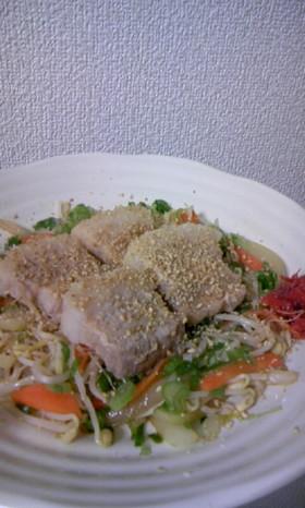 ゆで豚on野菜☆ウマスソースと梅肉で
