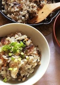 ぶり大根の煮汁でスキレット炊き込みご飯