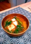 麻婆豆腐の素で♪ピリ辛おかずになる味噌汁