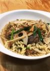 鯖の味噌煮缶と根菜のスープパスタ
