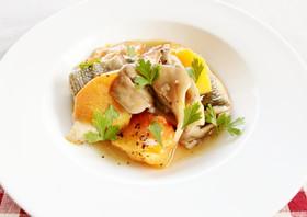 レンジで旬の味!秋鮭とマイタケの柿ソース