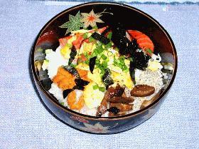 簡単すぎるちらし丼です。だけどちょっと豪華なちらし寿司