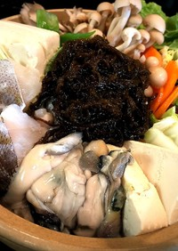 もずくと牡蠣の土手鍋