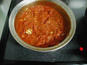冷蔵庫で4~5日、冷凍で1ケ月持つよ!応用いろいろ♪トマトソース
