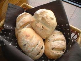 ★クランベリーとレーズンのパン!