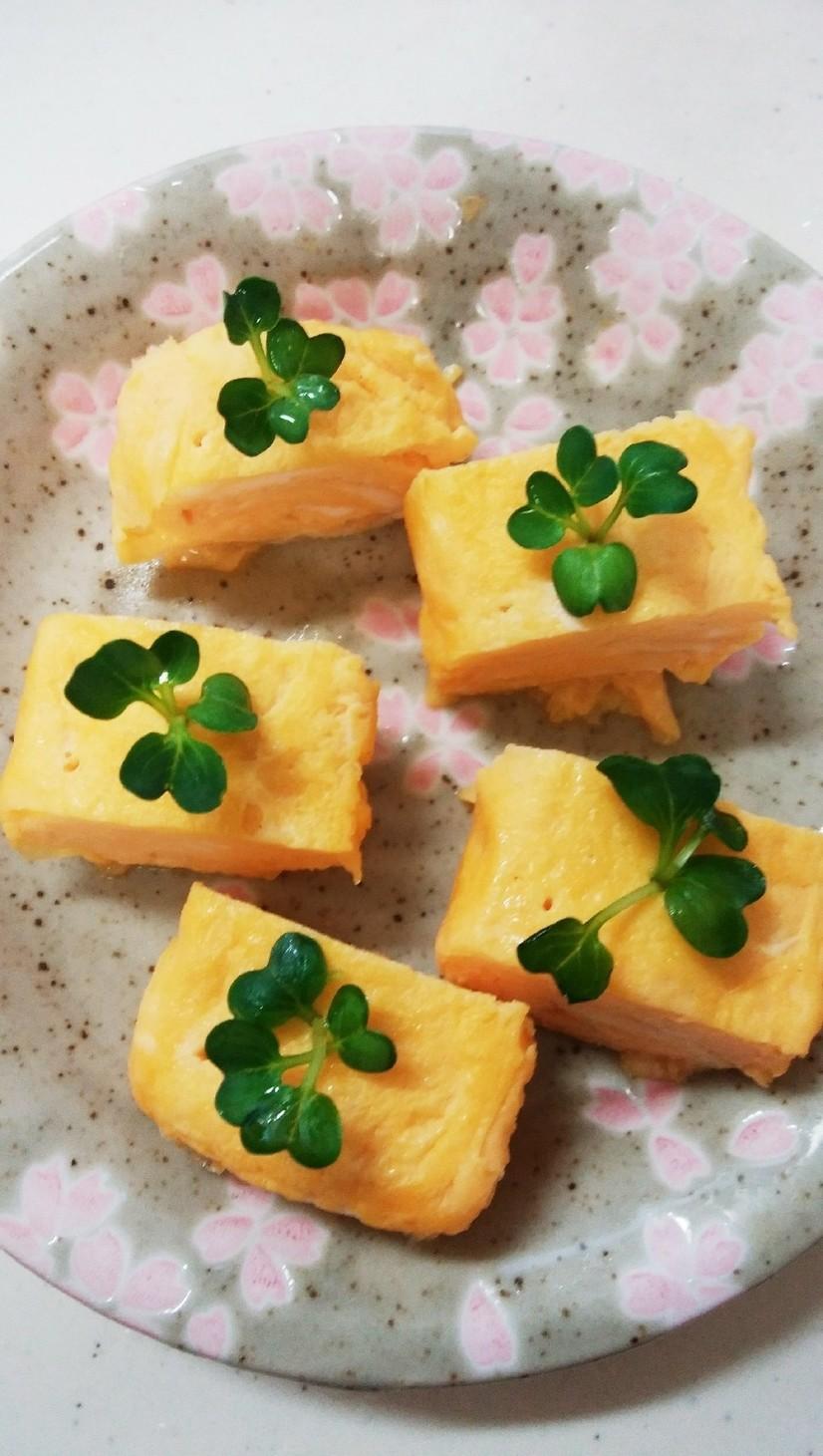 ☆卵焼きカイワレ飾りよつ葉のクローバー☆
