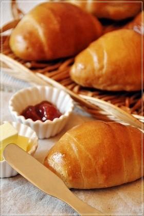 ♥ホッとする美味しさ♥黒糖ロールパン♥
