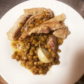 簡単!美味しい!レンズ豆と塩豚の煮込み