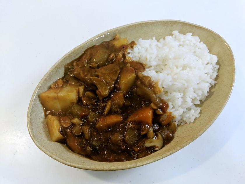 無水鍋でカレー:ピーマン&トマト缶編
