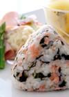 鮭と韓国海苔のおにぎり