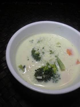 ブロッコリーの豆乳スープ リゾット風