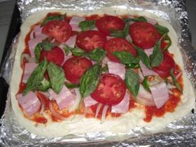【カゴメ基本のトマトソース】で簡単ピザ♪