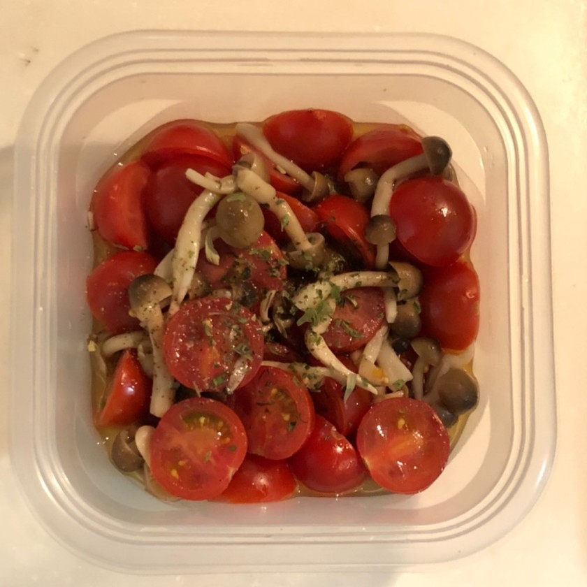 【簡単3分おかず】きのこトマトのマリネ