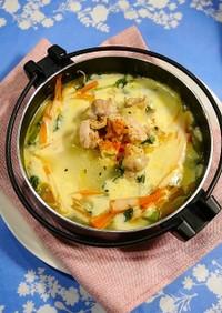 ひとり鍋!鶏もやしのチーズ鍋☆生姜風味