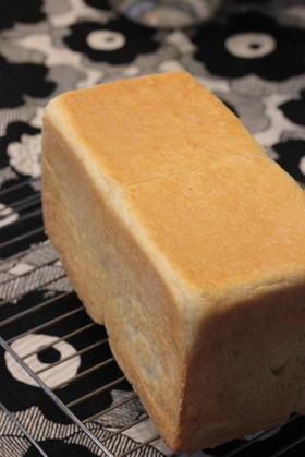 ヨーグルトと牛乳で作る食パン