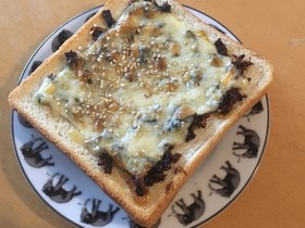 おかか昆布でチーズトースト★