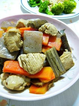 鶏胸肉と根菜の黒酢煮:レオン亭