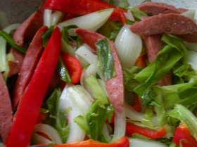 ソーセージを味わうための蒸し野菜