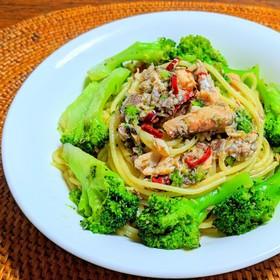 鯖缶とブロッコリーのスパゲッティ