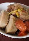 美味♪京芋と鶏手羽元と厚揚げと人参の煮物