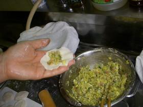 中国家庭の皮から作る水餃子