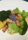 野菜とベーコンのアンチョビオイル炒め