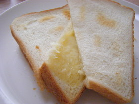 トースターで★とろ~りチーズホットサンド