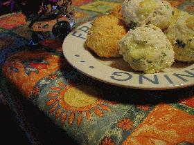 マダムヒロさんのBPで作る簡単チーズパンdeイタリアンな野菜パン2種
