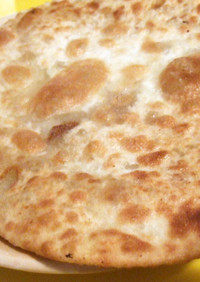 インドの具入りの薄焼きパン・アルパラタ