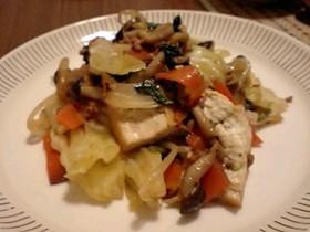 厚揚げと野菜のナンプラー炒め