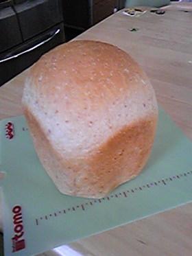 アーモンドパウダーで食パン「HB」