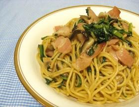 春菊とベーコンの和風パスタ✿きのこ醤油味