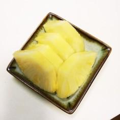 パイナップルのカット(*ˊ˘ˋ*)♪