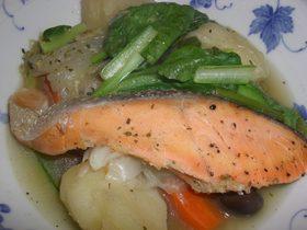 ヘルシーで栄養満点♪鮭で作る簡単ポトフ☆