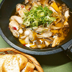 牡蠣と舞茸と栃尾揚げDE和風アヒージョ♪